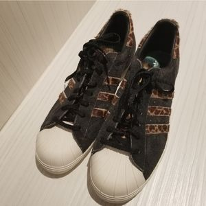 Brand new adidas shell toes